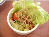 七福米と讃味そばのサラダ